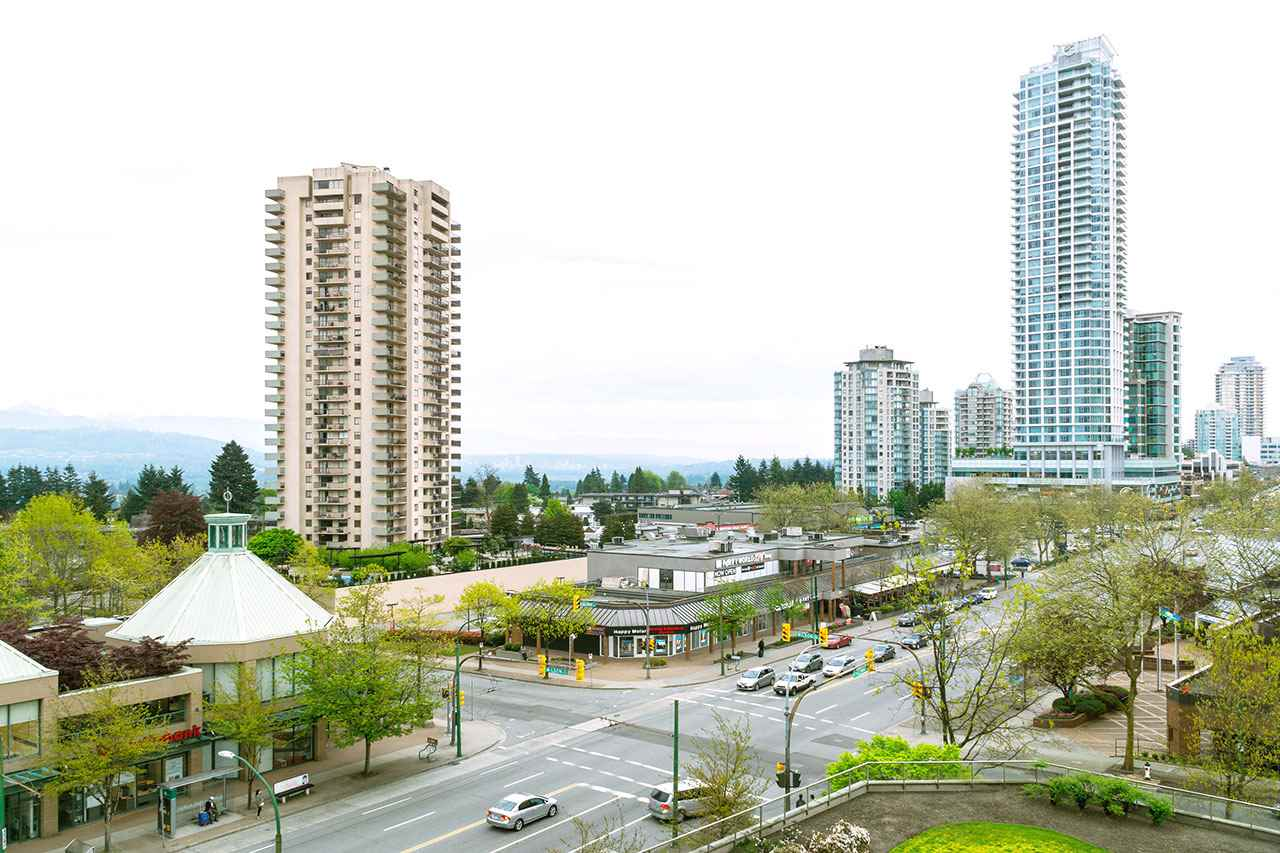 Condo Apartment at 600 5967 WILSON AVENUE, Unit 600, Burnaby South, British Columbia. Image 2