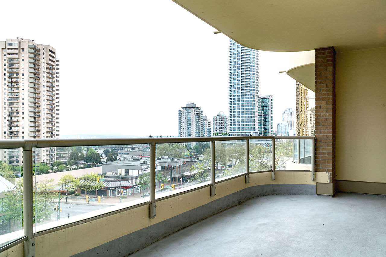 Condo Apartment at 600 5967 WILSON AVENUE, Unit 600, Burnaby South, British Columbia. Image 18