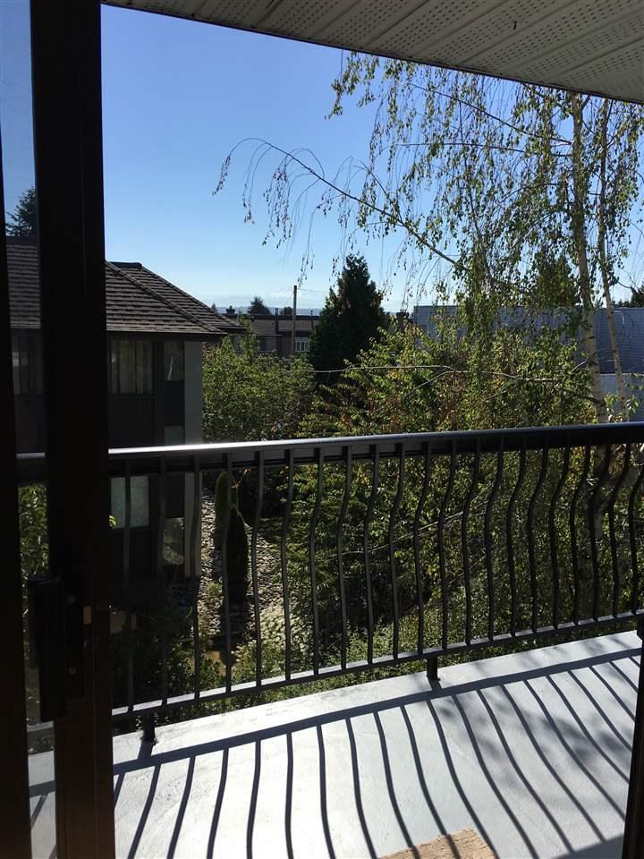 Condo Apartment at 302 1544 FIR STREET, Unit 302, South Surrey White Rock, British Columbia. Image 3