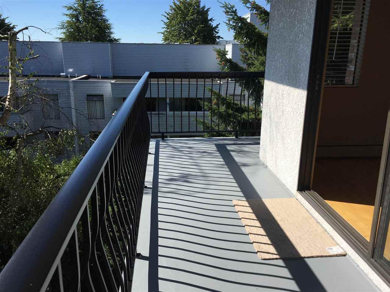 Condo Apartment at 302 1544 FIR STREET, Unit 302, South Surrey White Rock, British Columbia. Image 6