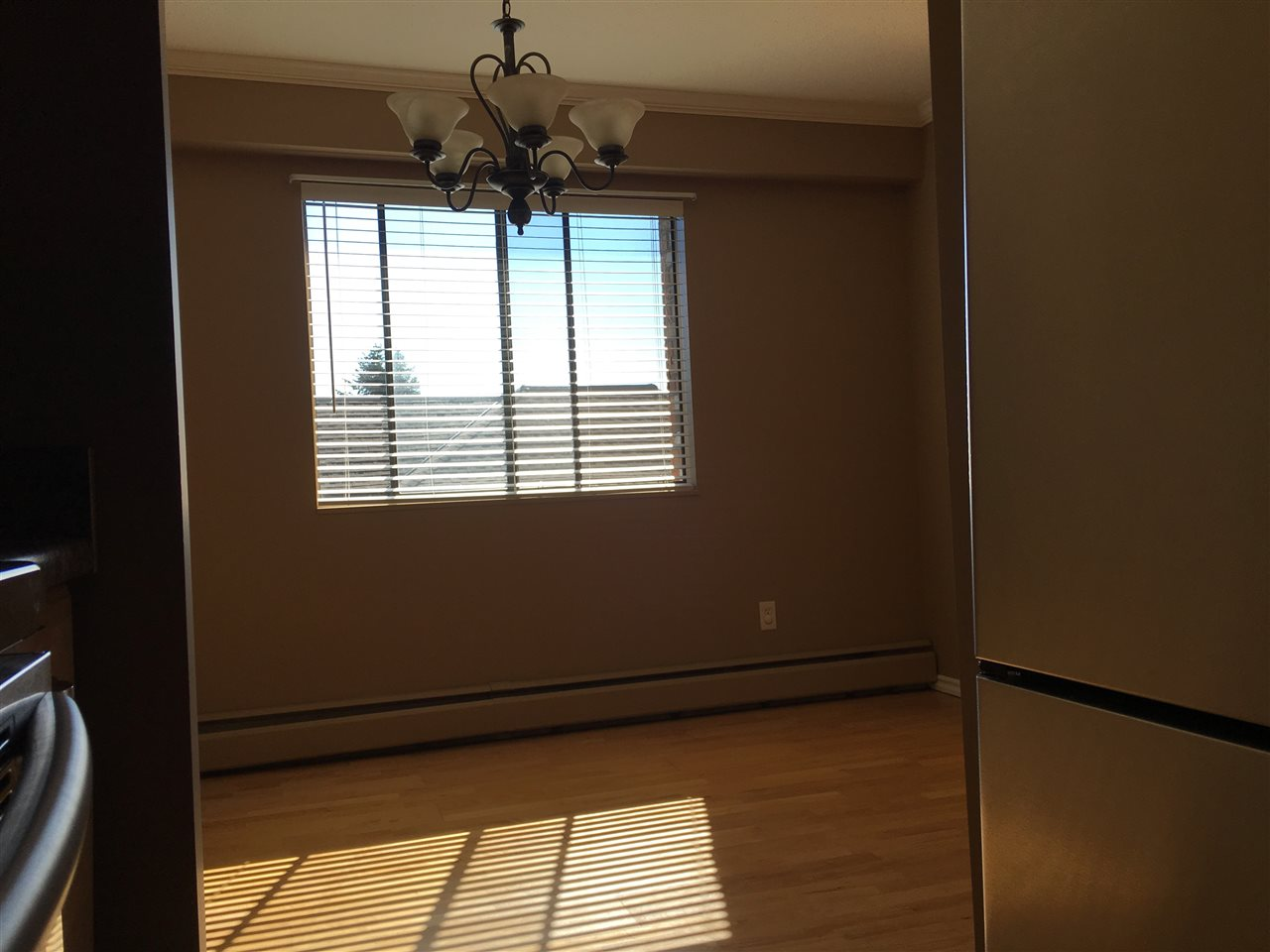 Condo Apartment at 302 1544 FIR STREET, Unit 302, South Surrey White Rock, British Columbia. Image 13