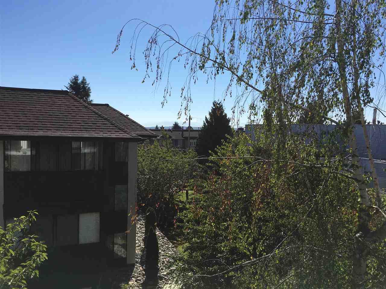 Condo Apartment at 302 1544 FIR STREET, Unit 302, South Surrey White Rock, British Columbia. Image 17