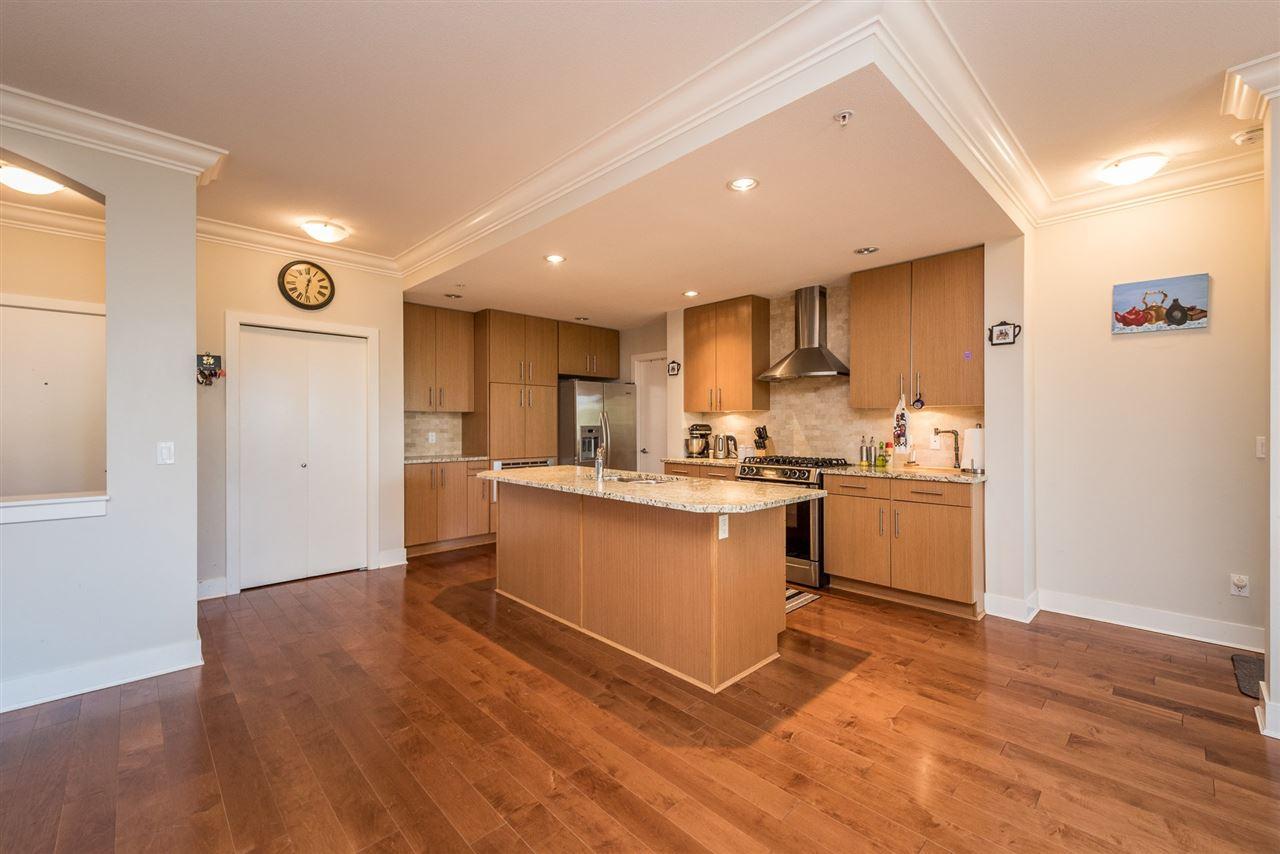 Condo Apartment at 201 16499 64TH AVENUE, Unit 201, Cloverdale, British Columbia. Image 3
