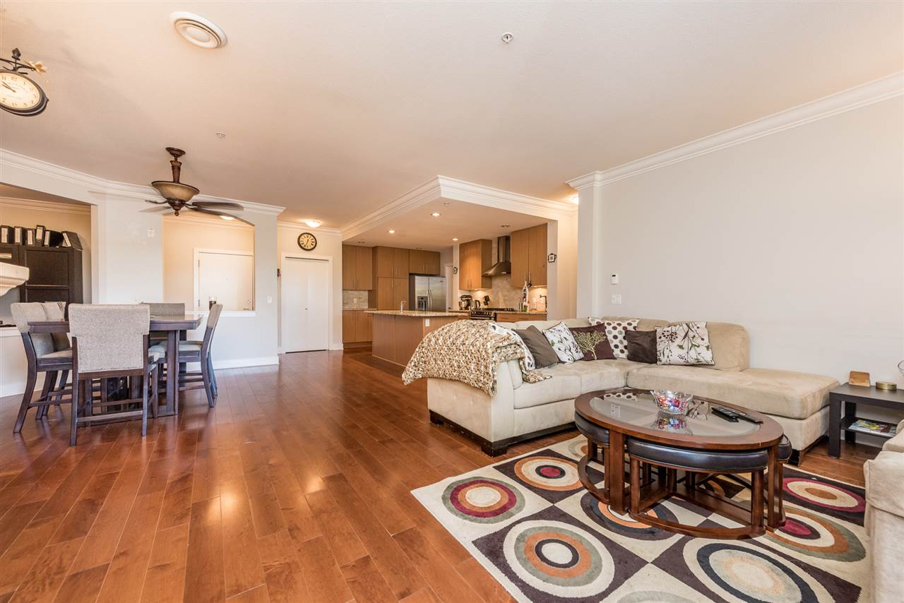 Condo Apartment at 201 16499 64TH AVENUE, Unit 201, Cloverdale, British Columbia. Image 10