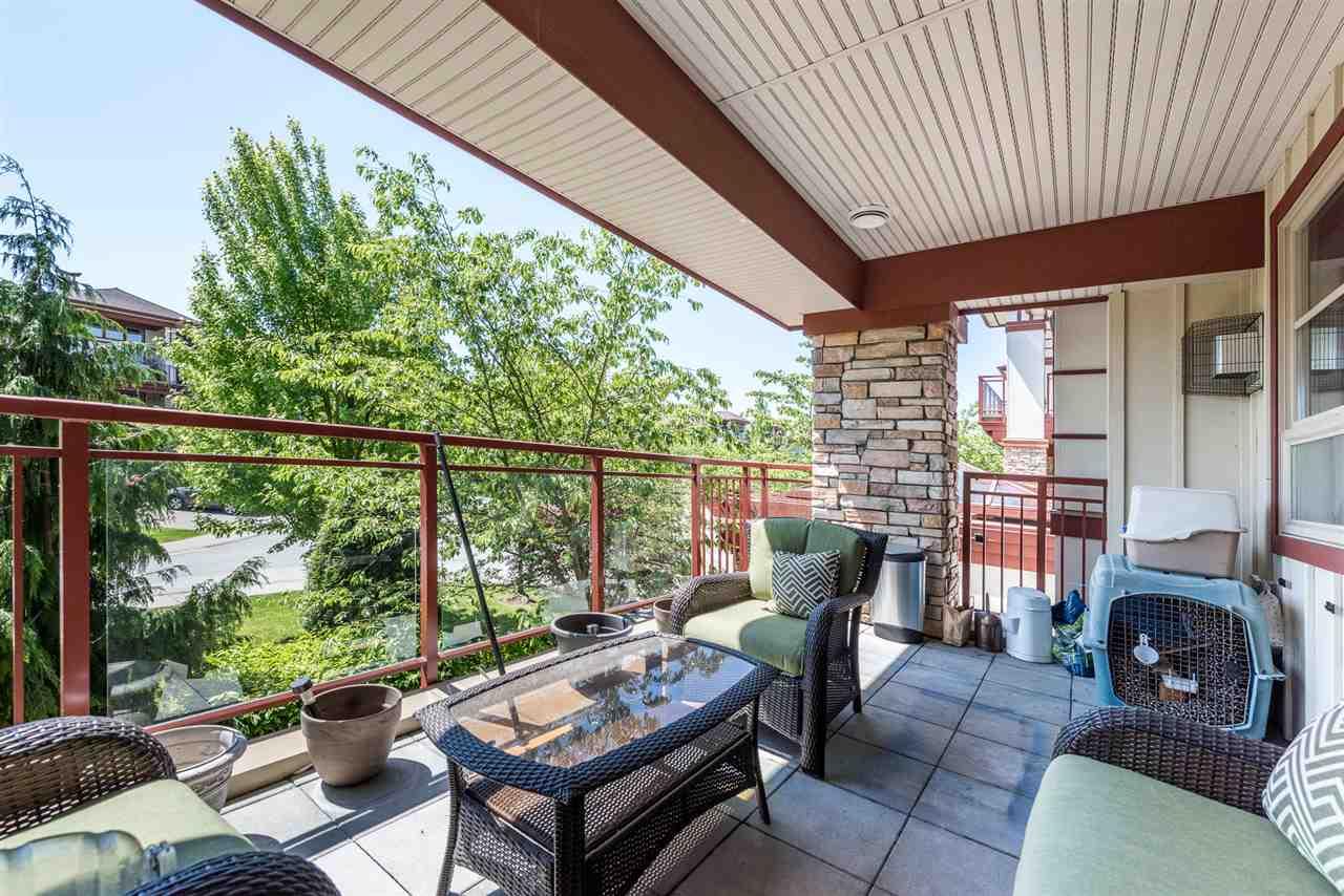 Condo Apartment at 201 16499 64TH AVENUE, Unit 201, Cloverdale, British Columbia. Image 14