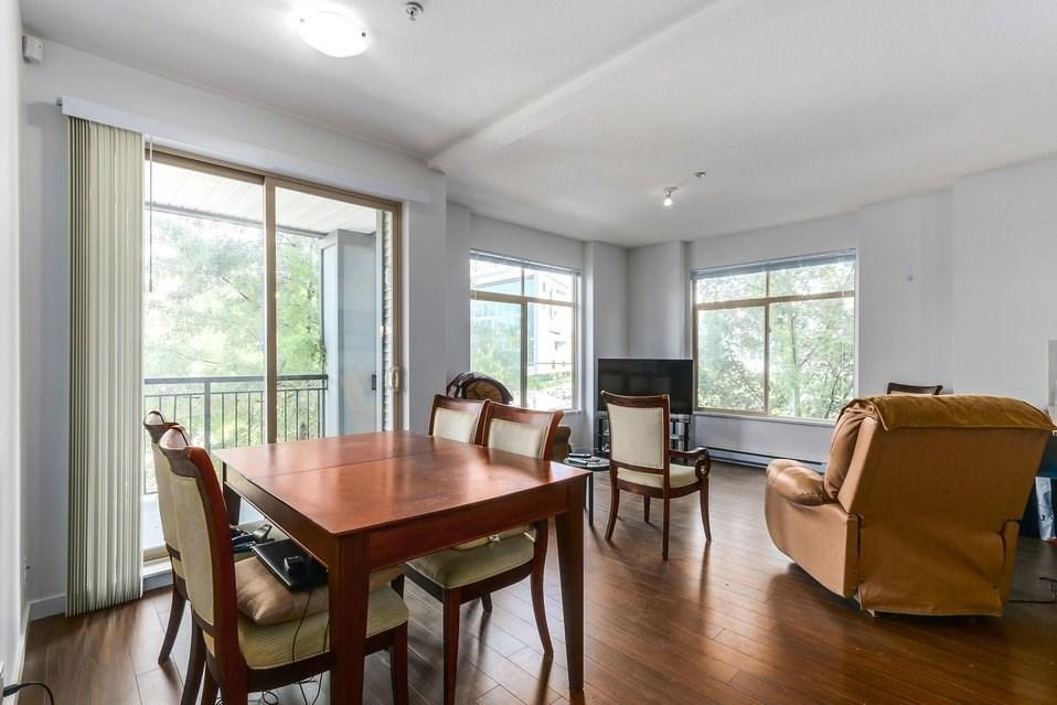 Condo Apartment at 310 10455 UNIVERSITY DRIVE, Unit 310, North Surrey, British Columbia. Image 7