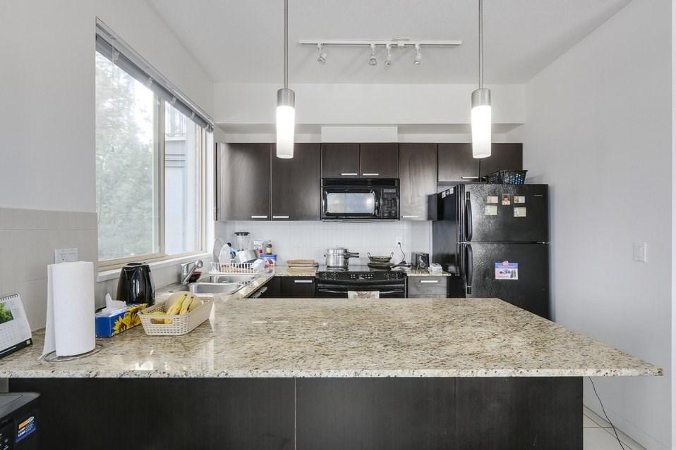 Condo Apartment at 310 10455 UNIVERSITY DRIVE, Unit 310, North Surrey, British Columbia. Image 8