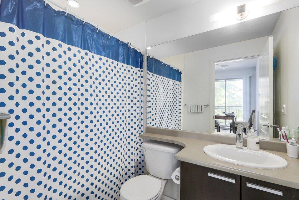 Condo Apartment at 310 10455 UNIVERSITY DRIVE, Unit 310, North Surrey, British Columbia. Image 10