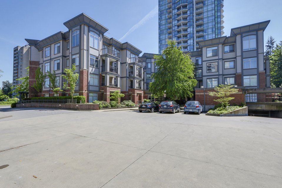 Condo Apartment at 310 10455 UNIVERSITY DRIVE, Unit 310, North Surrey, British Columbia. Image 14