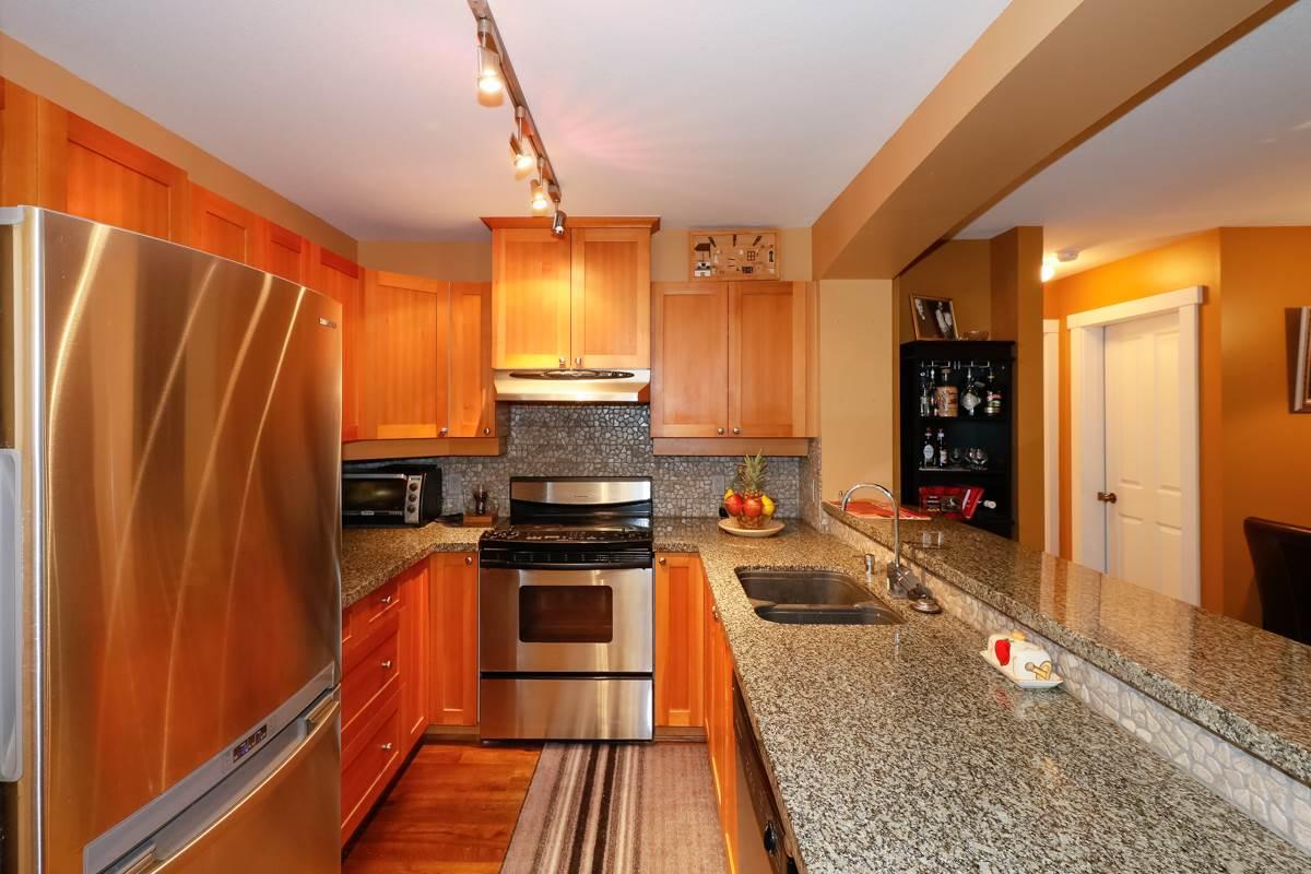 Condo Apartment at 212 1420 PARKWAY BOULEVARD, Unit 212, Coquitlam, British Columbia. Image 5