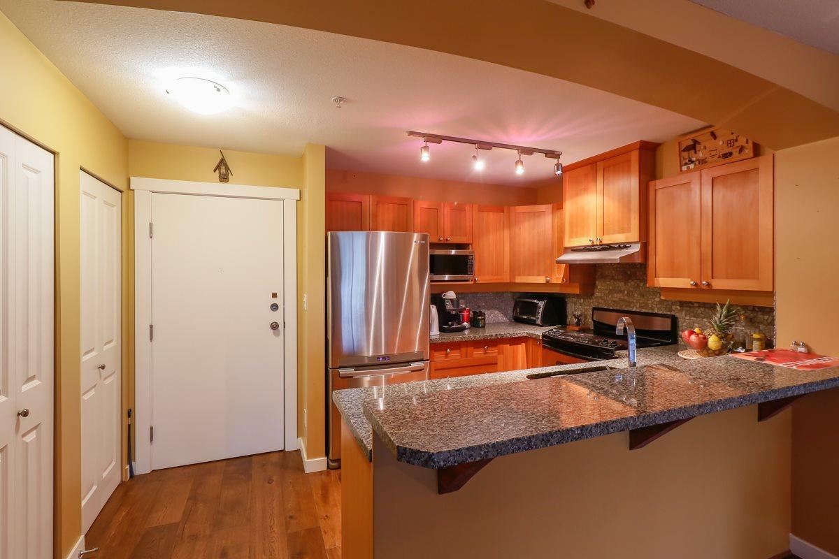 Condo Apartment at 212 1420 PARKWAY BOULEVARD, Unit 212, Coquitlam, British Columbia. Image 6