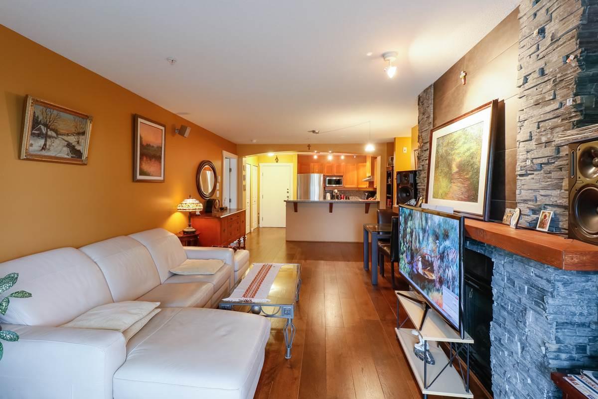 Condo Apartment at 212 1420 PARKWAY BOULEVARD, Unit 212, Coquitlam, British Columbia. Image 7