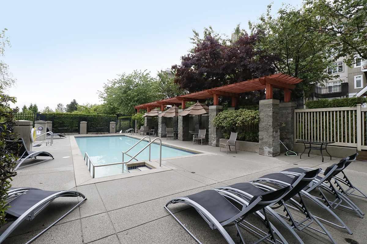 Condo Apartment at 212 1420 PARKWAY BOULEVARD, Unit 212, Coquitlam, British Columbia. Image 16