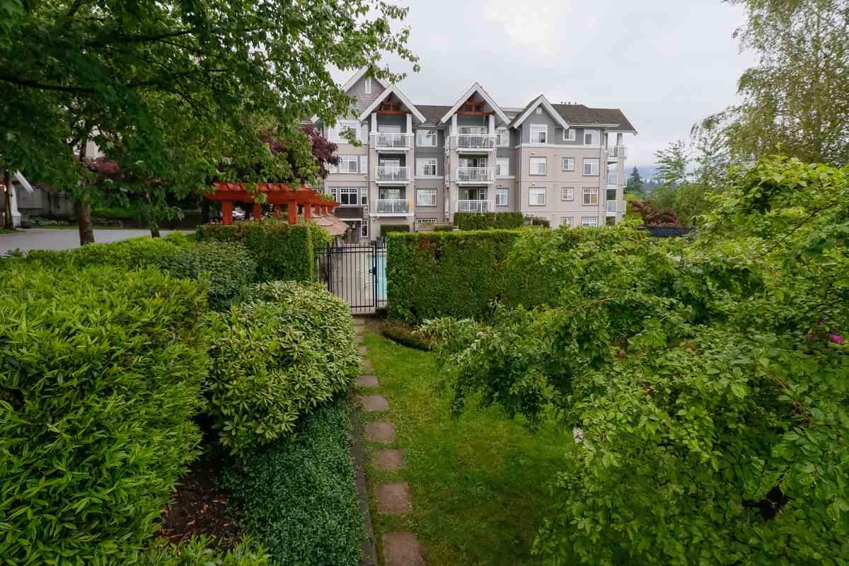 Condo Apartment at 212 1420 PARKWAY BOULEVARD, Unit 212, Coquitlam, British Columbia. Image 18