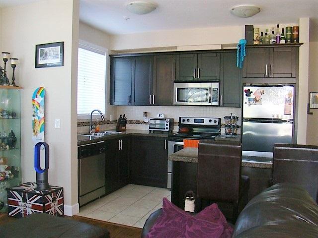Condo Apartment at 104 46262 FIRST AVENUE, Unit 104, Chilliwack, British Columbia. Image 10