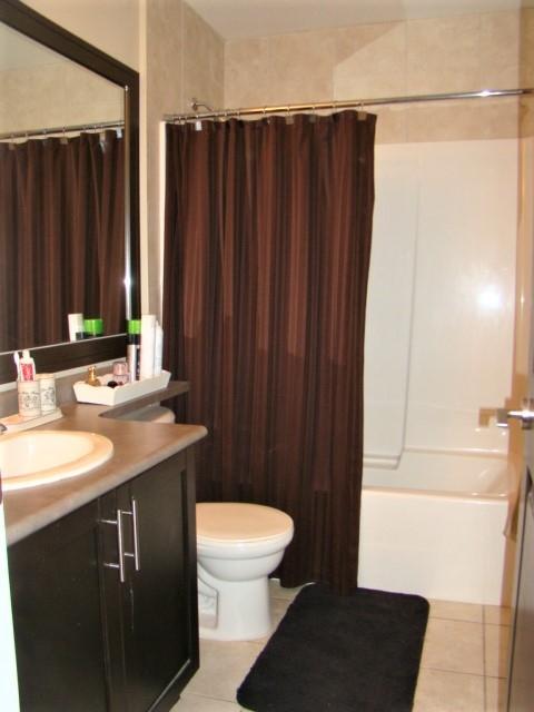 Condo Apartment at 104 46262 FIRST AVENUE, Unit 104, Chilliwack, British Columbia. Image 14