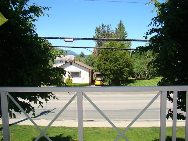 Condo Apartment at 104 46262 FIRST AVENUE, Unit 104, Chilliwack, British Columbia. Image 17