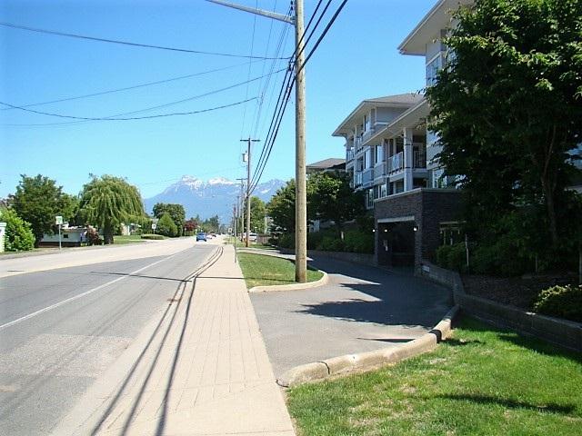 Condo Apartment at 104 46262 FIRST AVENUE, Unit 104, Chilliwack, British Columbia. Image 19