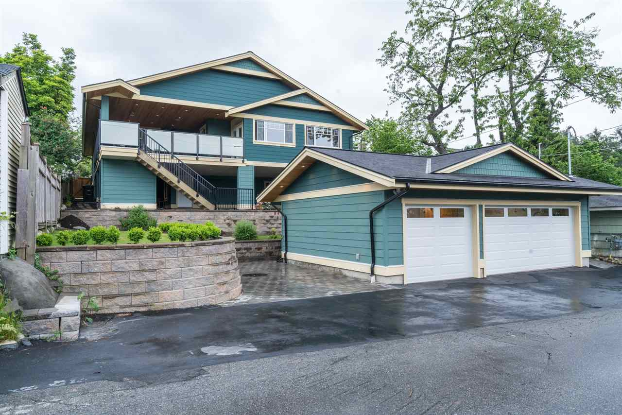 Detached at 3750 PORTLAND STREET, Burnaby South, British Columbia. Image 2