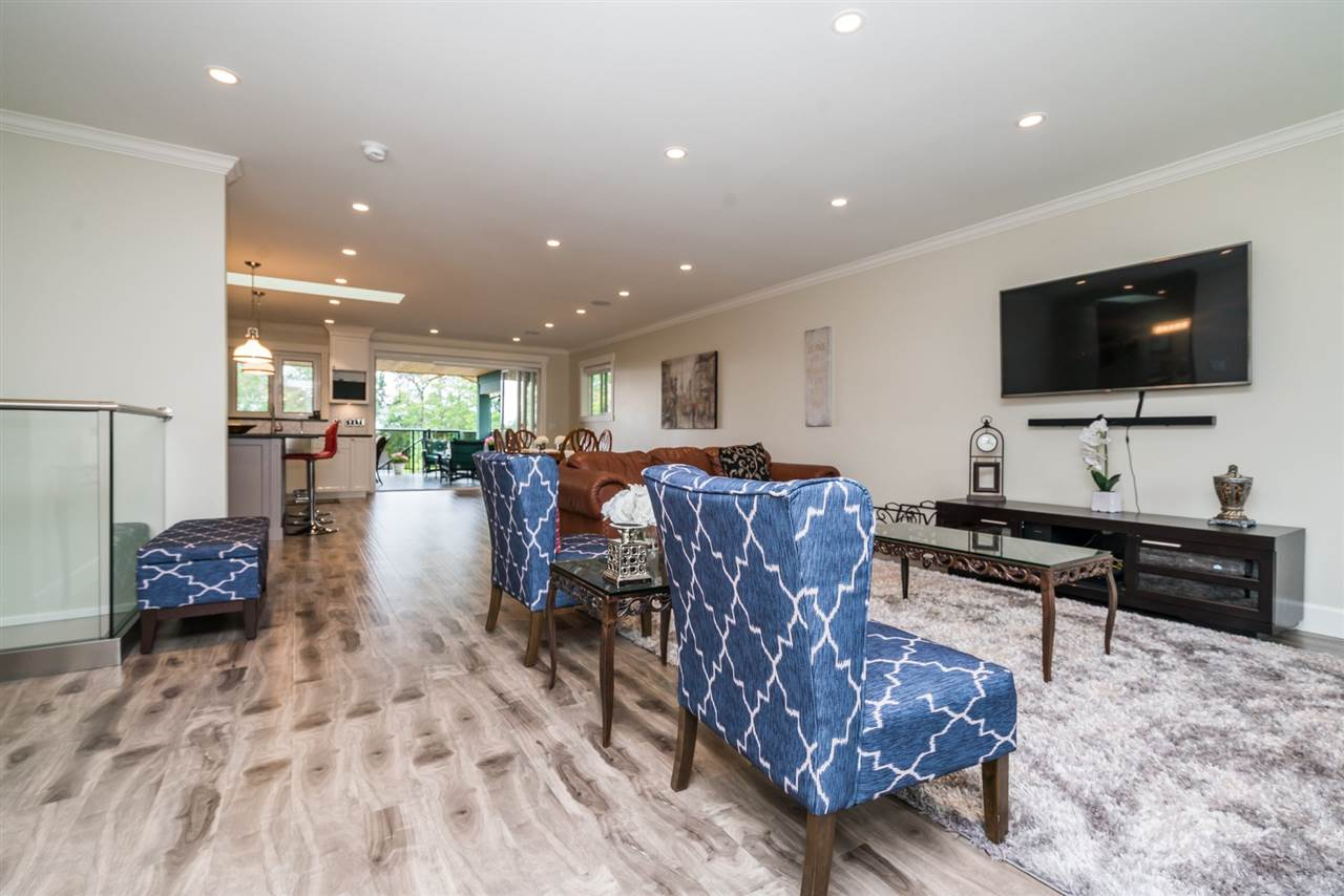 Detached at 3750 PORTLAND STREET, Burnaby South, British Columbia. Image 6