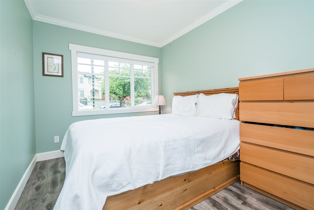 Detached at 3750 PORTLAND STREET, Burnaby South, British Columbia. Image 10