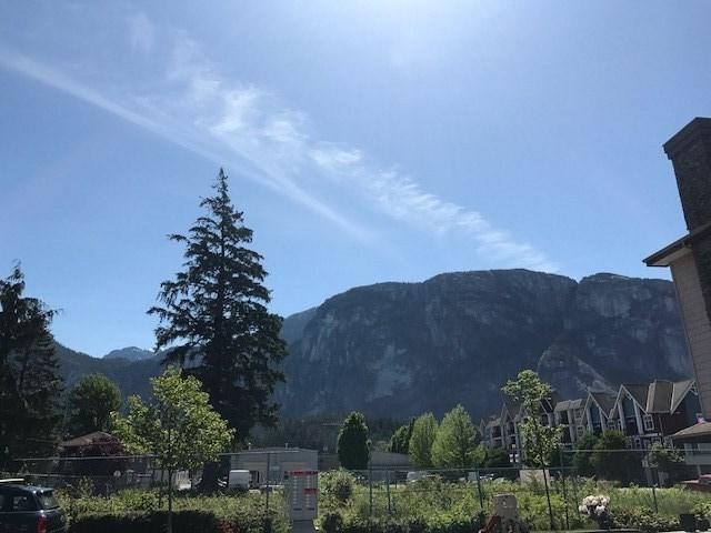 Half-duplex at 2 1261 MAIN STREET, Unit 2, Squamish, British Columbia. Image 4
