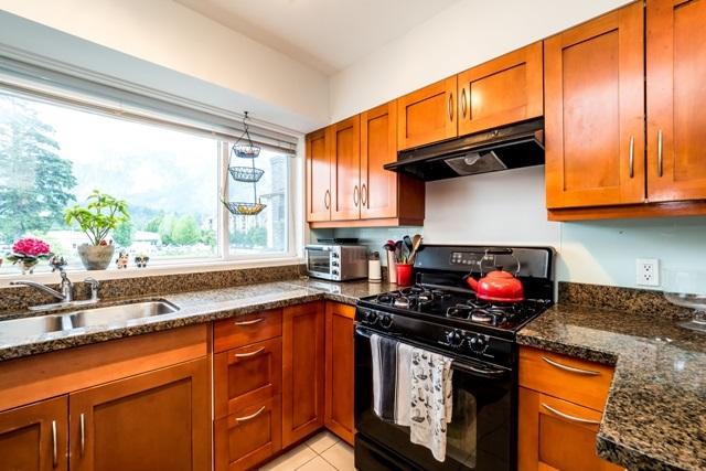 Half-duplex at 2 1261 MAIN STREET, Unit 2, Squamish, British Columbia. Image 9
