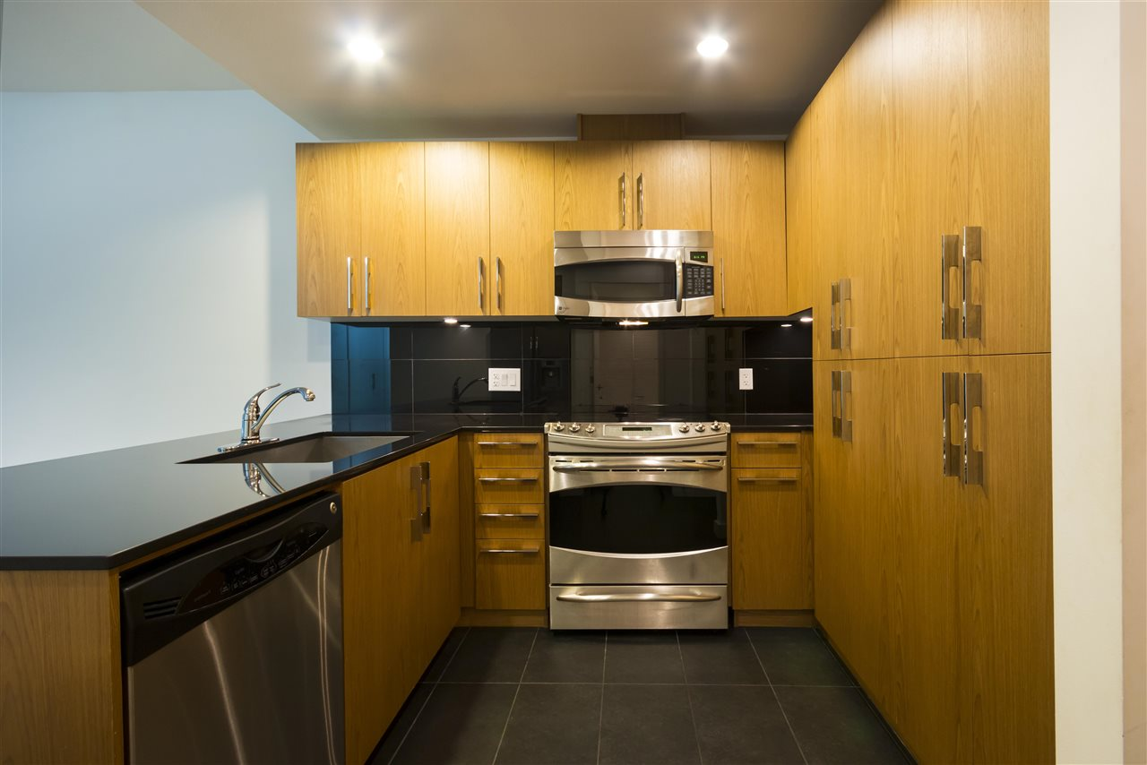 Condo Apartment at 102 3479 WESBROOK MALL, Unit 102, Vancouver West, British Columbia. Image 4