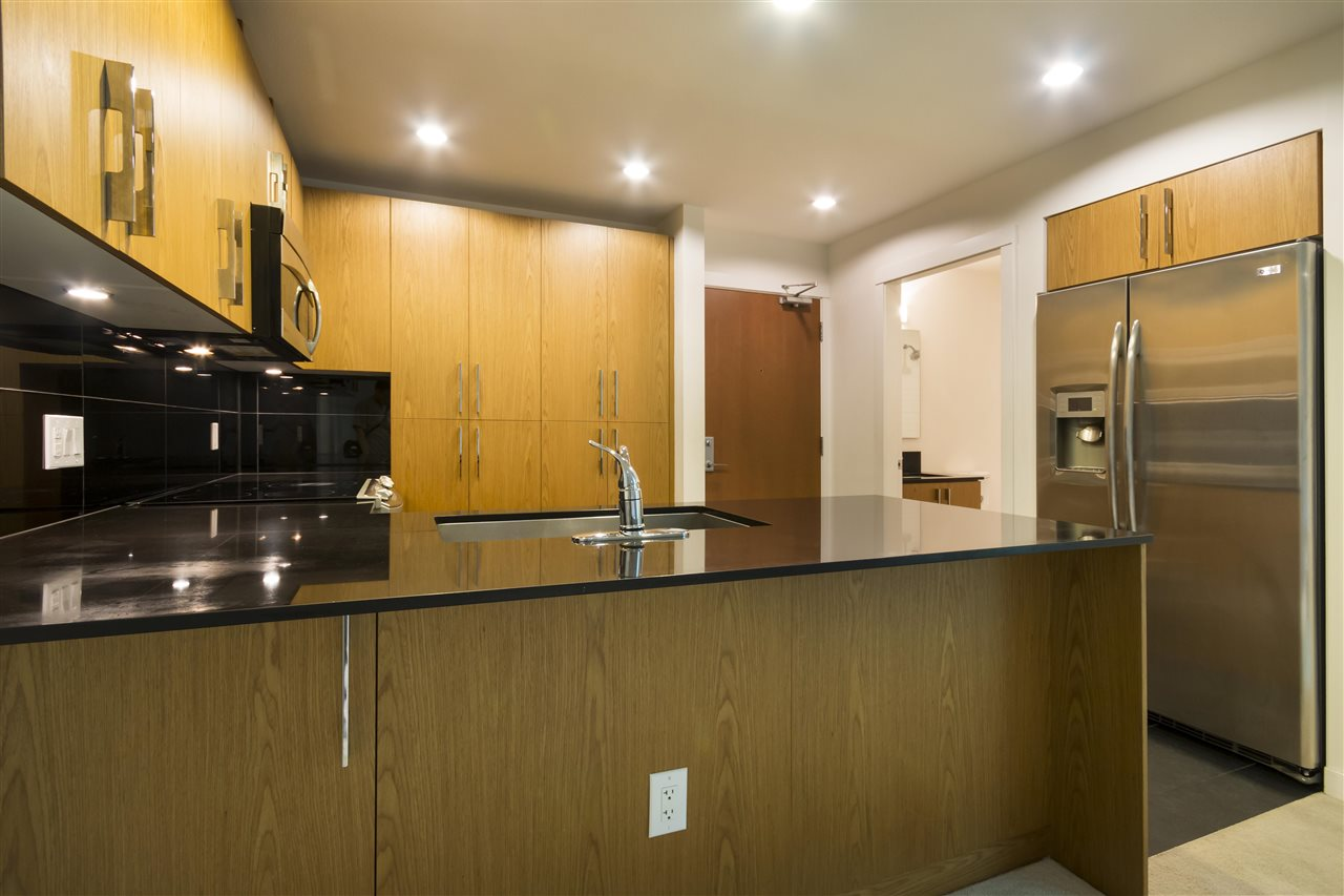 Condo Apartment at 102 3479 WESBROOK MALL, Unit 102, Vancouver West, British Columbia. Image 5