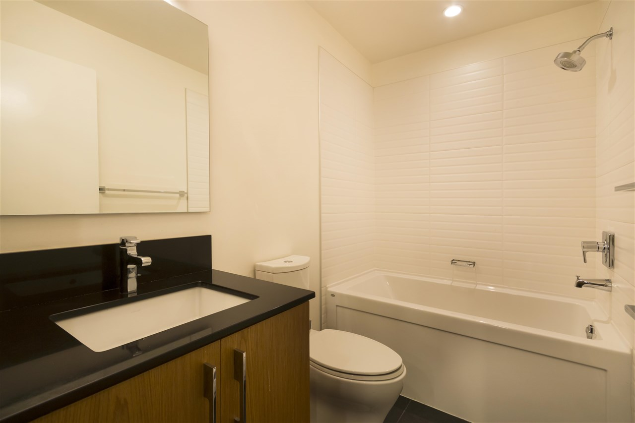 Condo Apartment at 102 3479 WESBROOK MALL, Unit 102, Vancouver West, British Columbia. Image 17