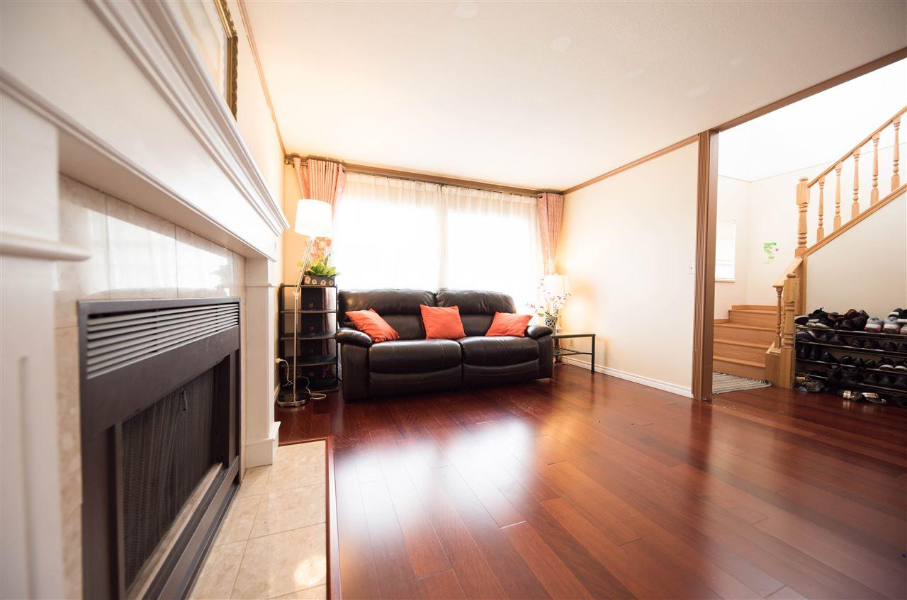 Half-duplex at 650 THOMPSON AVENUE, Coquitlam, British Columbia. Image 3