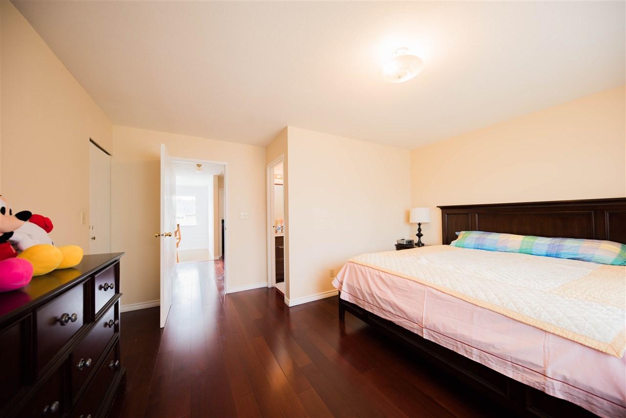Half-duplex at 650 THOMPSON AVENUE, Coquitlam, British Columbia. Image 8