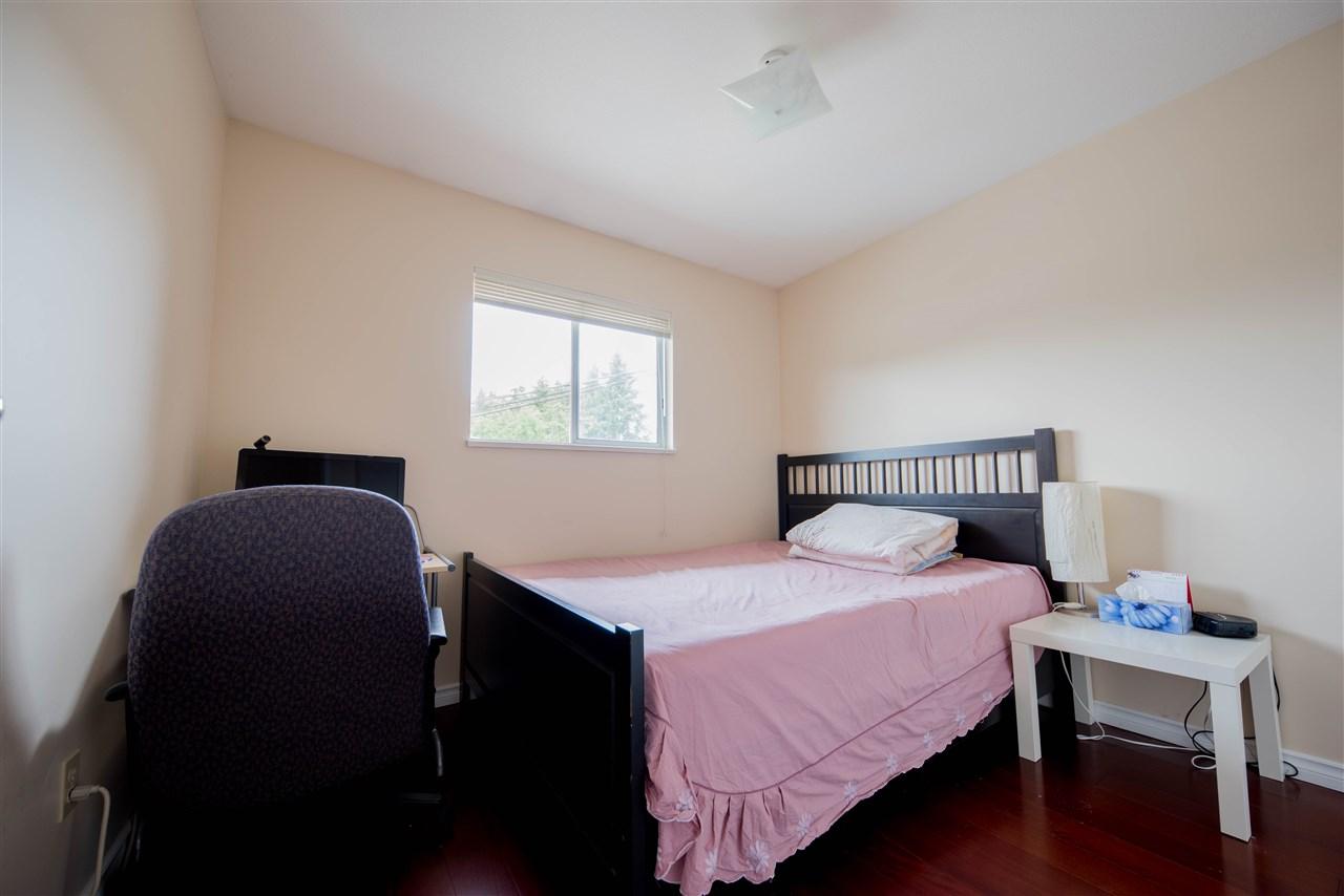 Half-duplex at 650 THOMPSON AVENUE, Coquitlam, British Columbia. Image 10