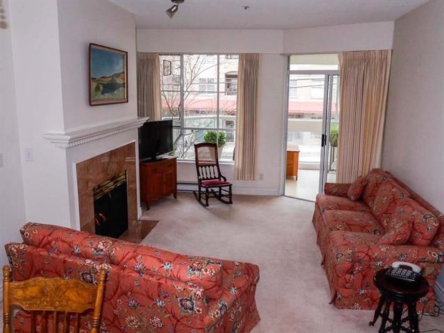 Condo Apartment at 206 3621 W 26TH AVENUE, Unit 206, Vancouver West, British Columbia. Image 2