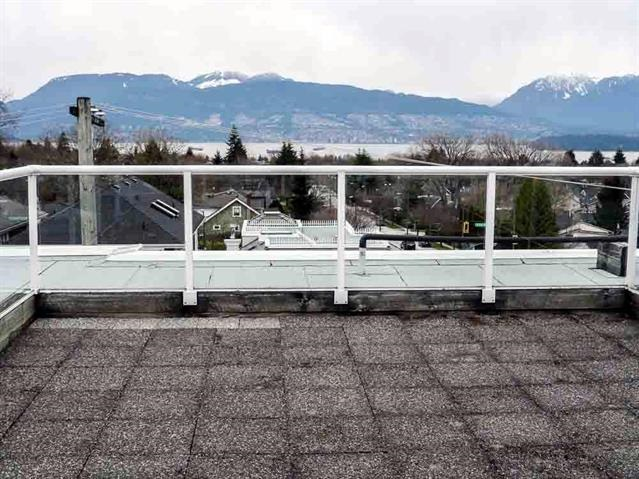 Condo Apartment at 206 3621 W 26TH AVENUE, Unit 206, Vancouver West, British Columbia. Image 16