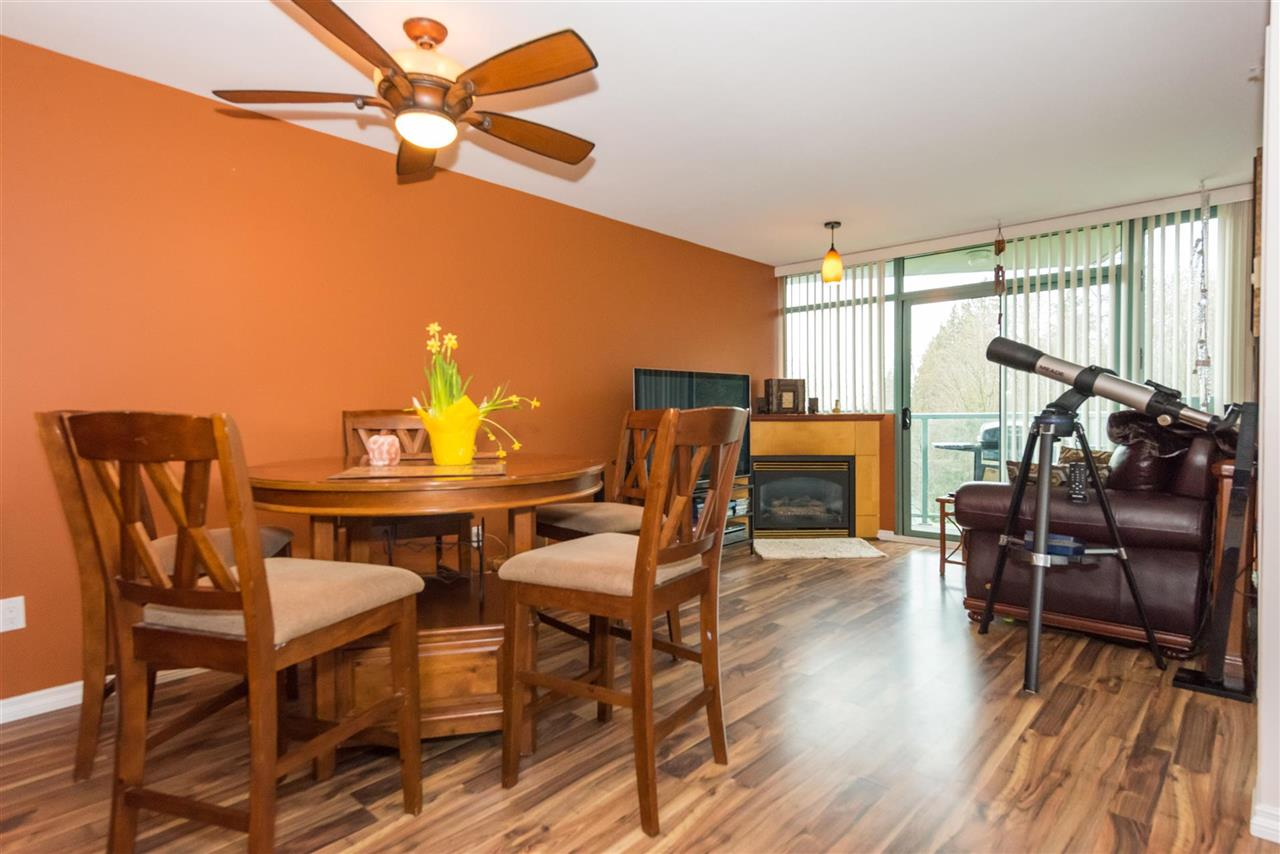 Condo Apartment at 710 2733 CHANDLERY PLACE, Unit 710, Vancouver East, British Columbia. Image 2