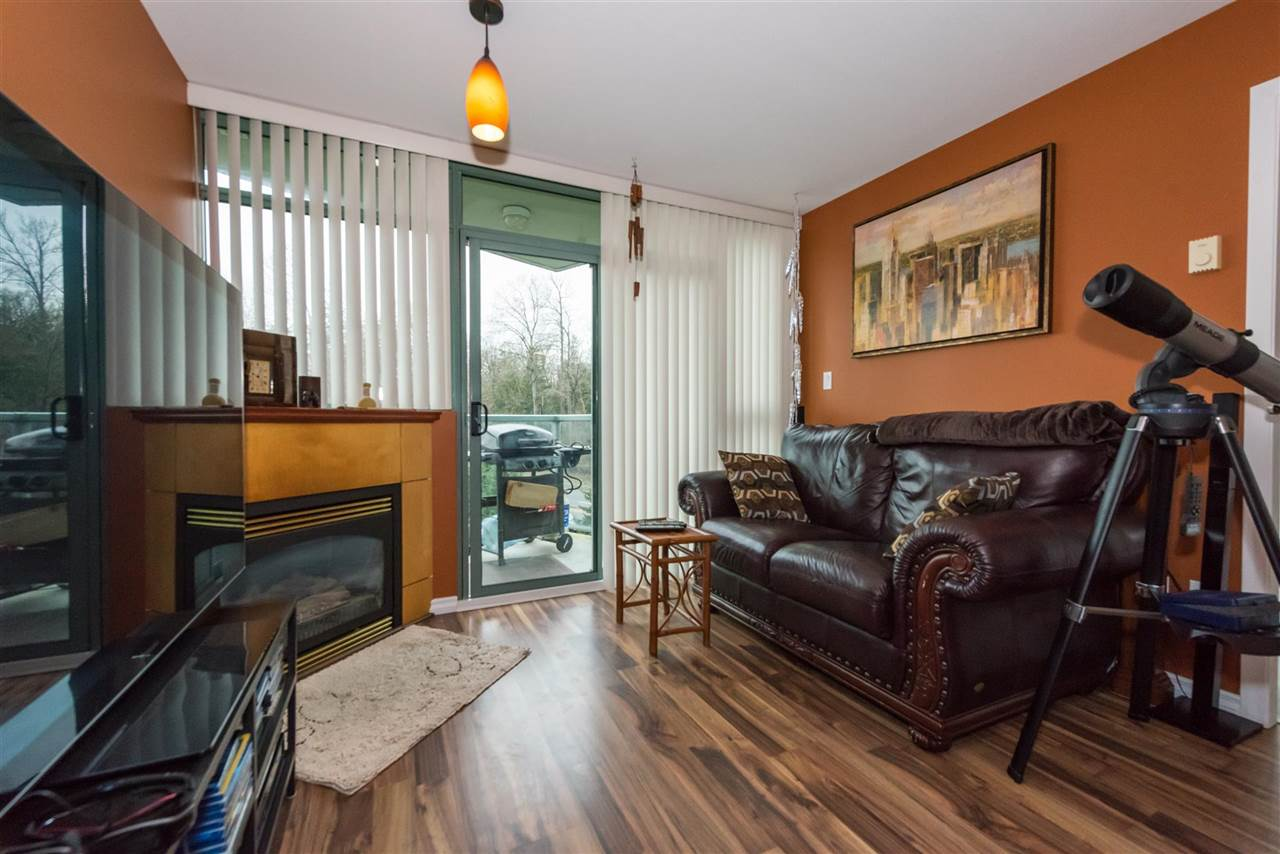 Condo Apartment at 710 2733 CHANDLERY PLACE, Unit 710, Vancouver East, British Columbia. Image 3
