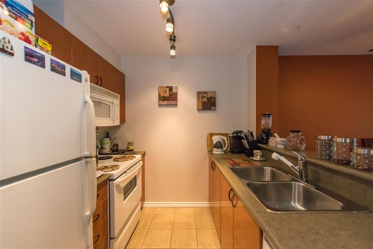 Condo Apartment at 710 2733 CHANDLERY PLACE, Unit 710, Vancouver East, British Columbia. Image 7