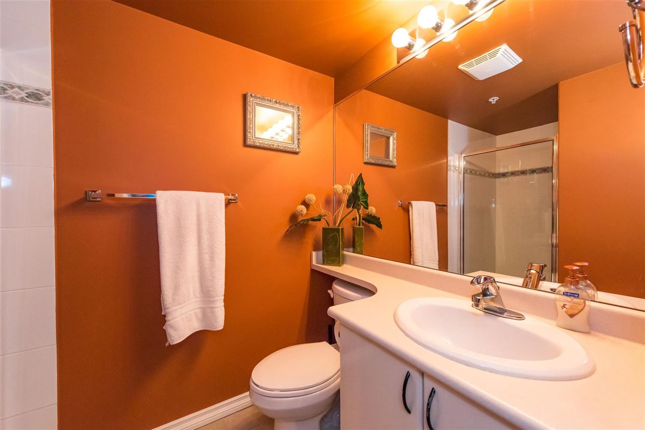 Condo Apartment at 710 2733 CHANDLERY PLACE, Unit 710, Vancouver East, British Columbia. Image 12