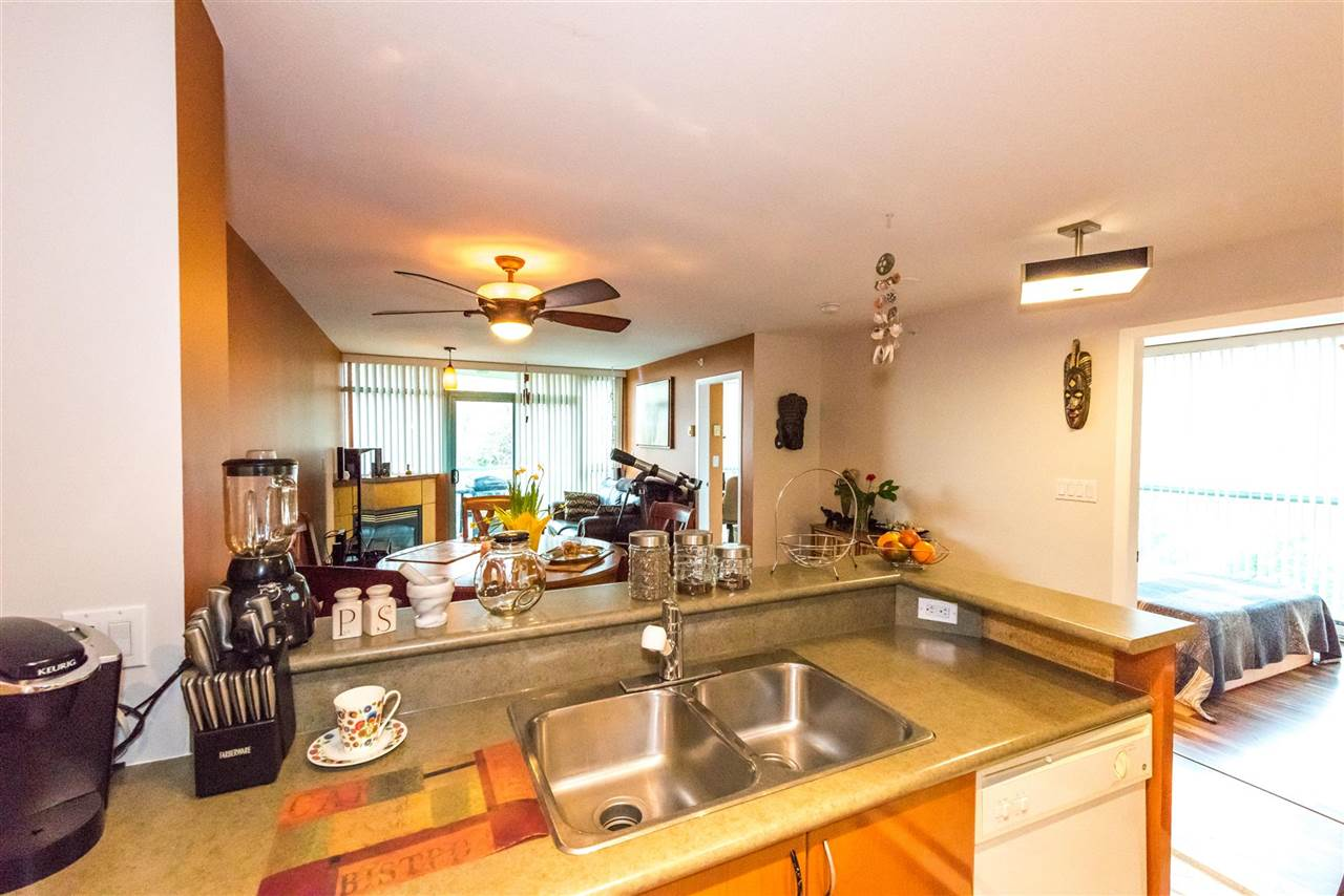 Condo Apartment at 710 2733 CHANDLERY PLACE, Unit 710, Vancouver East, British Columbia. Image 16