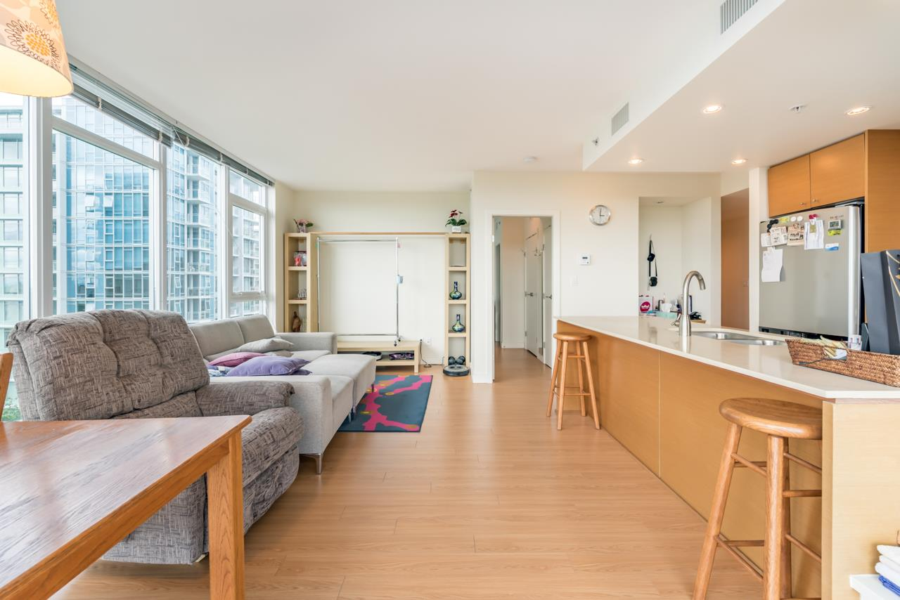 Condo Apartment at 1006 7373 WESTMINSTER HIGHWAY, Unit 1006, Richmond, British Columbia. Image 10