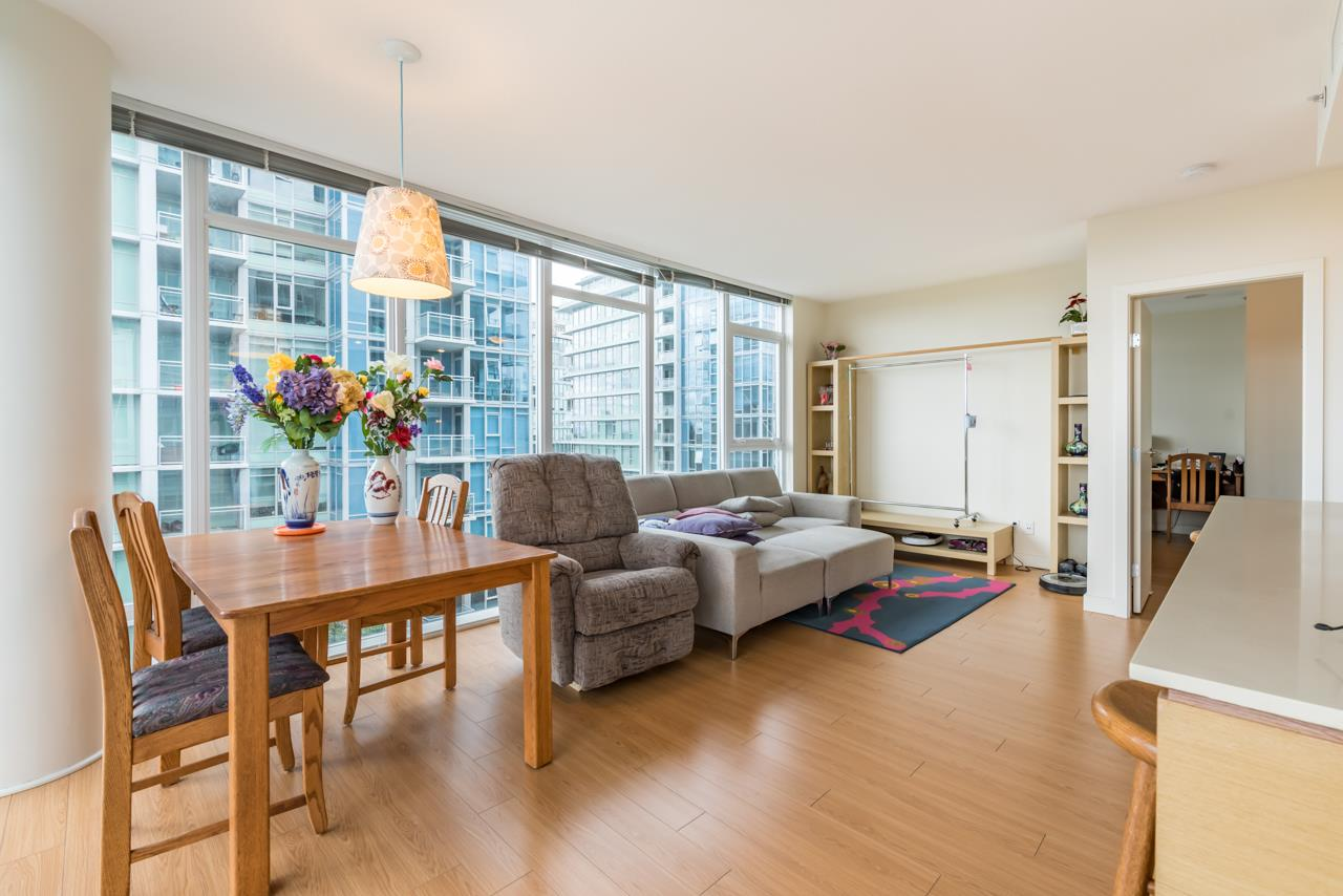 Condo Apartment at 1006 7373 WESTMINSTER HIGHWAY, Unit 1006, Richmond, British Columbia. Image 11