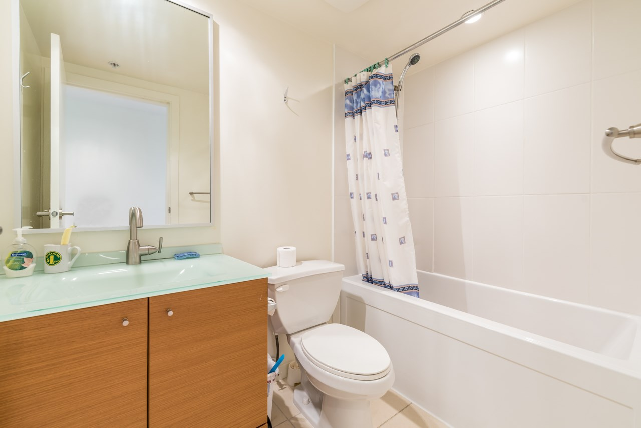 Condo Apartment at 1006 7373 WESTMINSTER HIGHWAY, Unit 1006, Richmond, British Columbia. Image 15