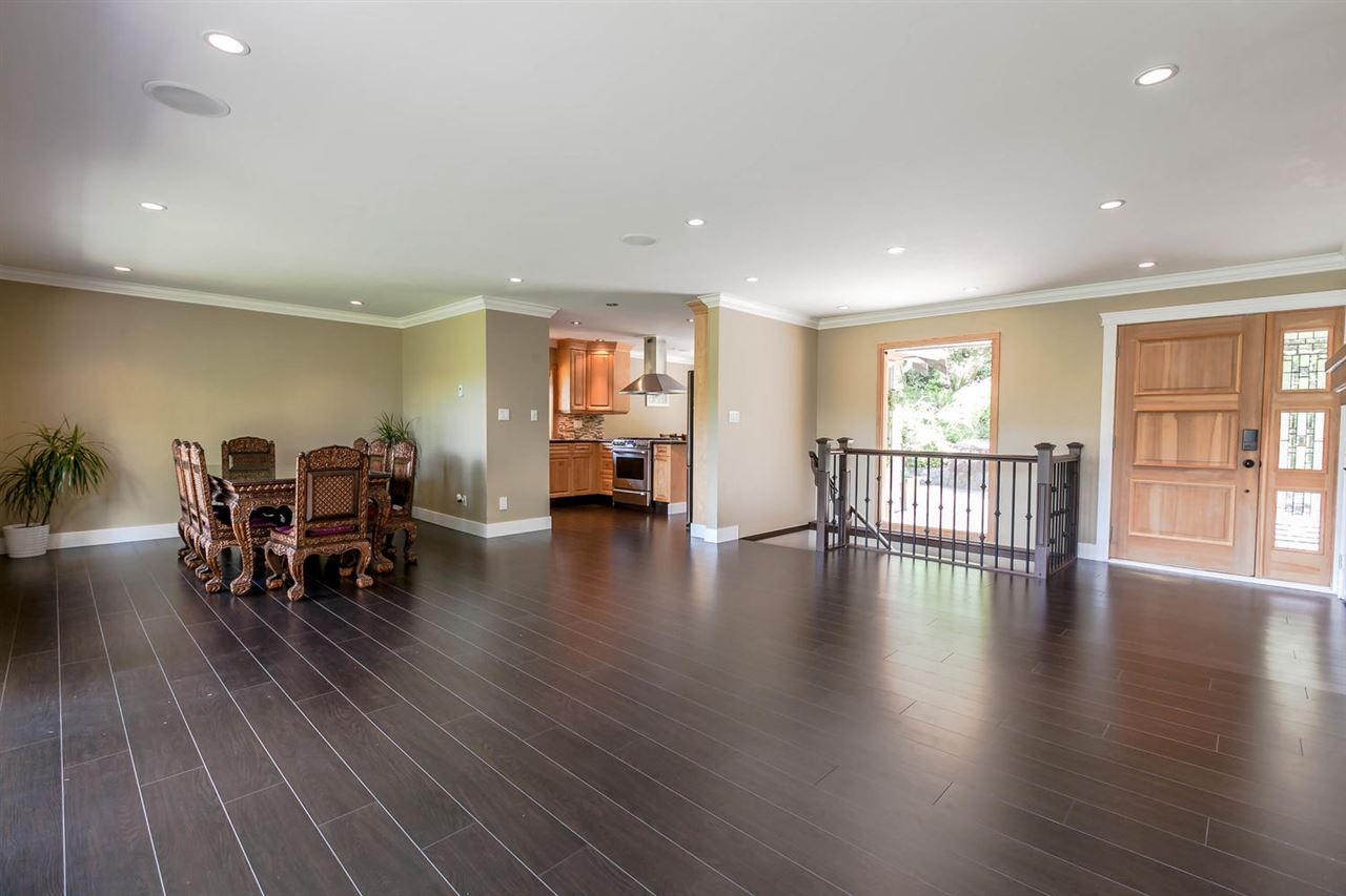 Detached at 5535 GREENLEAF ROAD, West Vancouver, British Columbia. Image 5