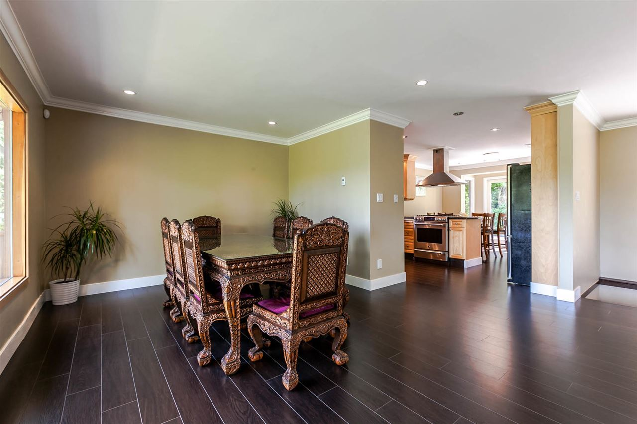 Detached at 5535 GREENLEAF ROAD, West Vancouver, British Columbia. Image 6