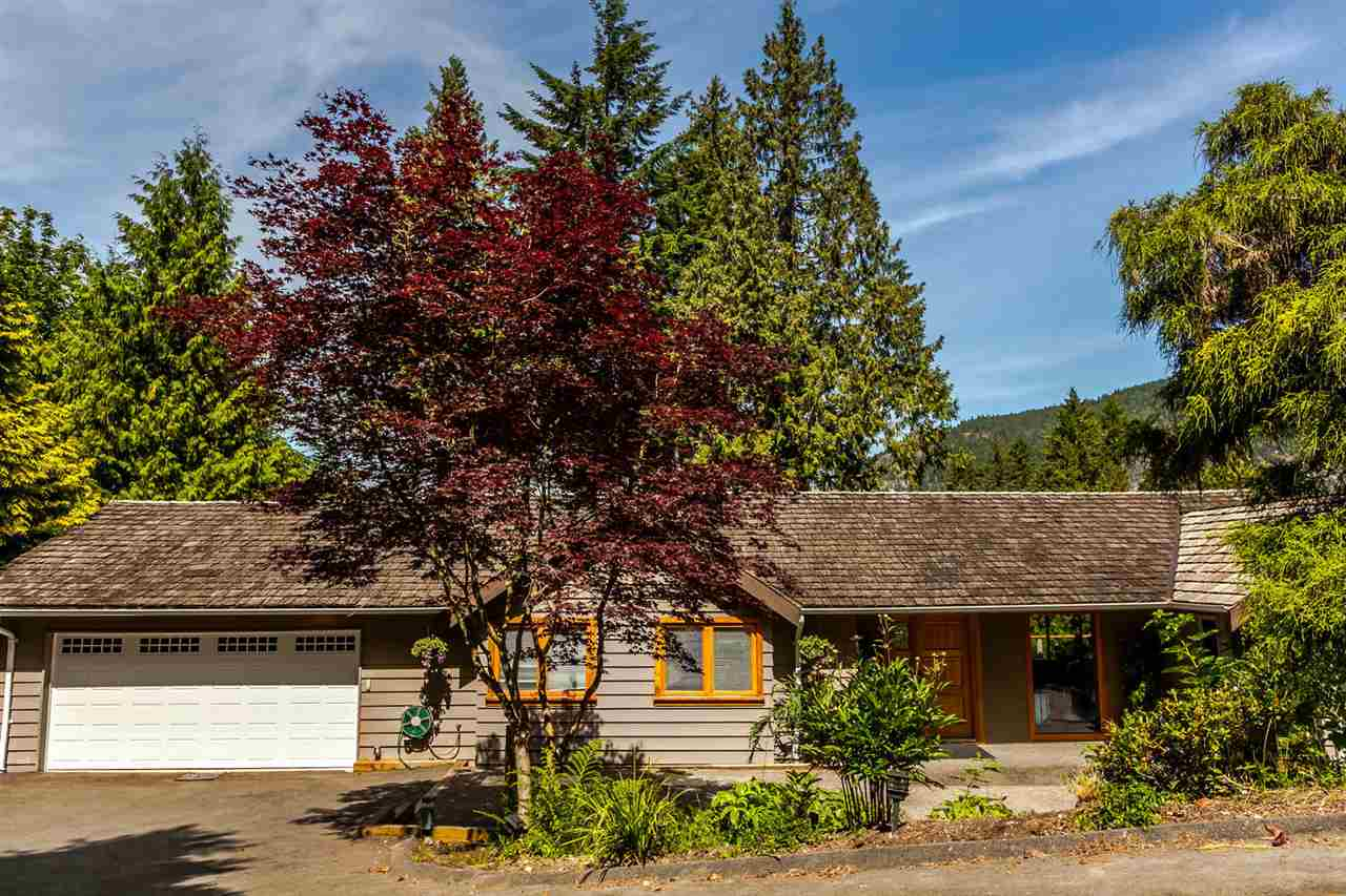 Detached at 5535 GREENLEAF ROAD, West Vancouver, British Columbia. Image 20