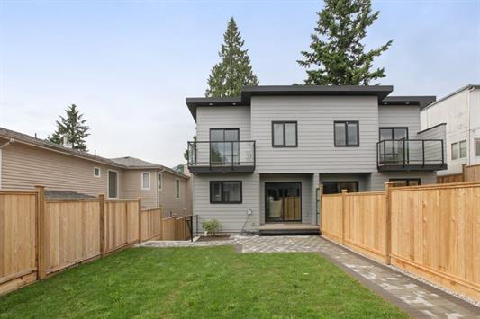 Half-duplex at 233 W 19TH STREET, North Vancouver, British Columbia. Image 20