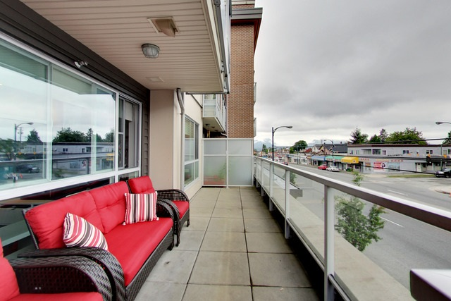 Condo Apartment at 213 2888 E 2ND AVENUE, Unit 213, Vancouver East, British Columbia. Image 14