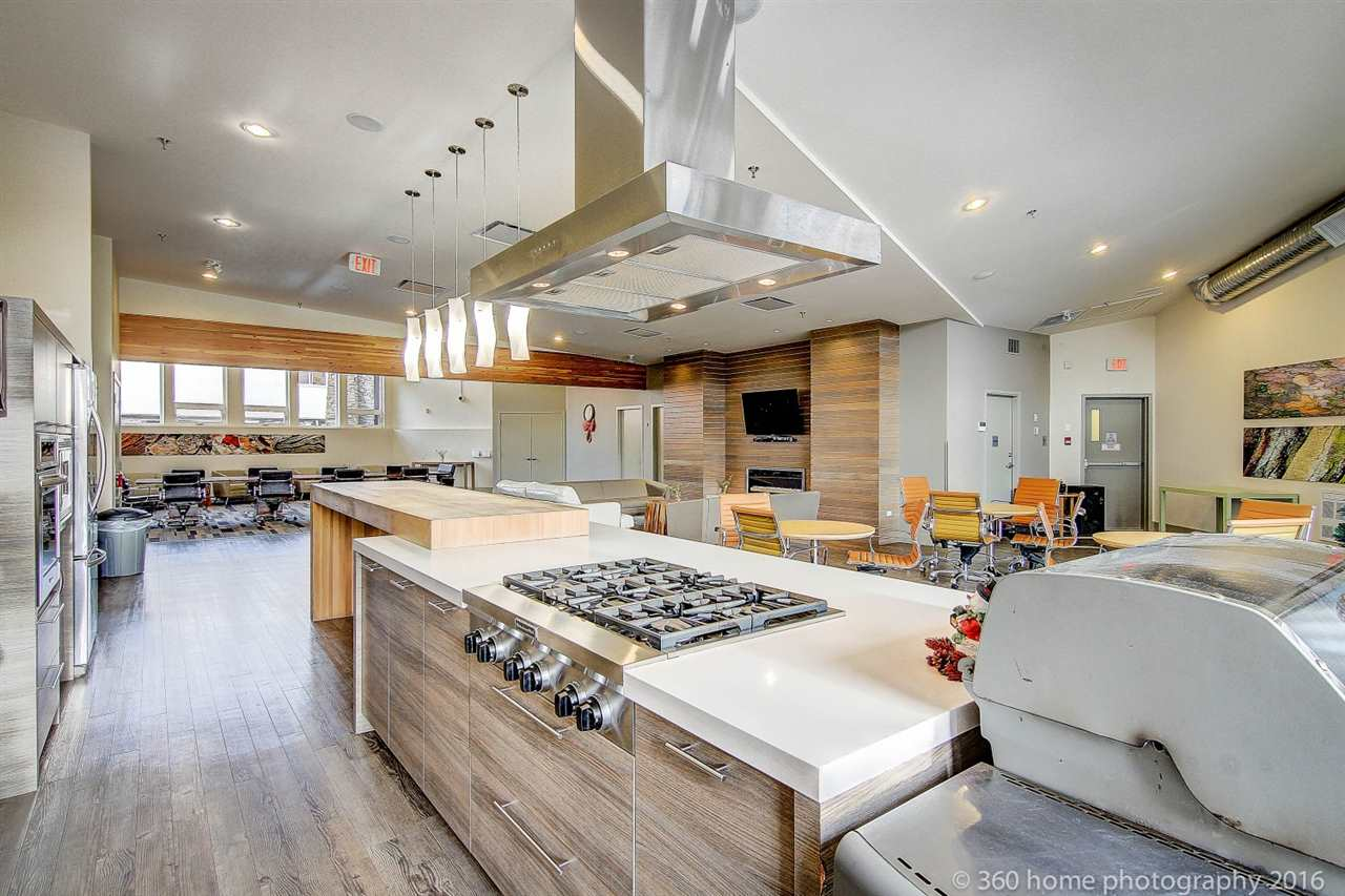 Condo Apartment at 212 6430 194 STREET, Unit 212, Cloverdale, British Columbia. Image 17