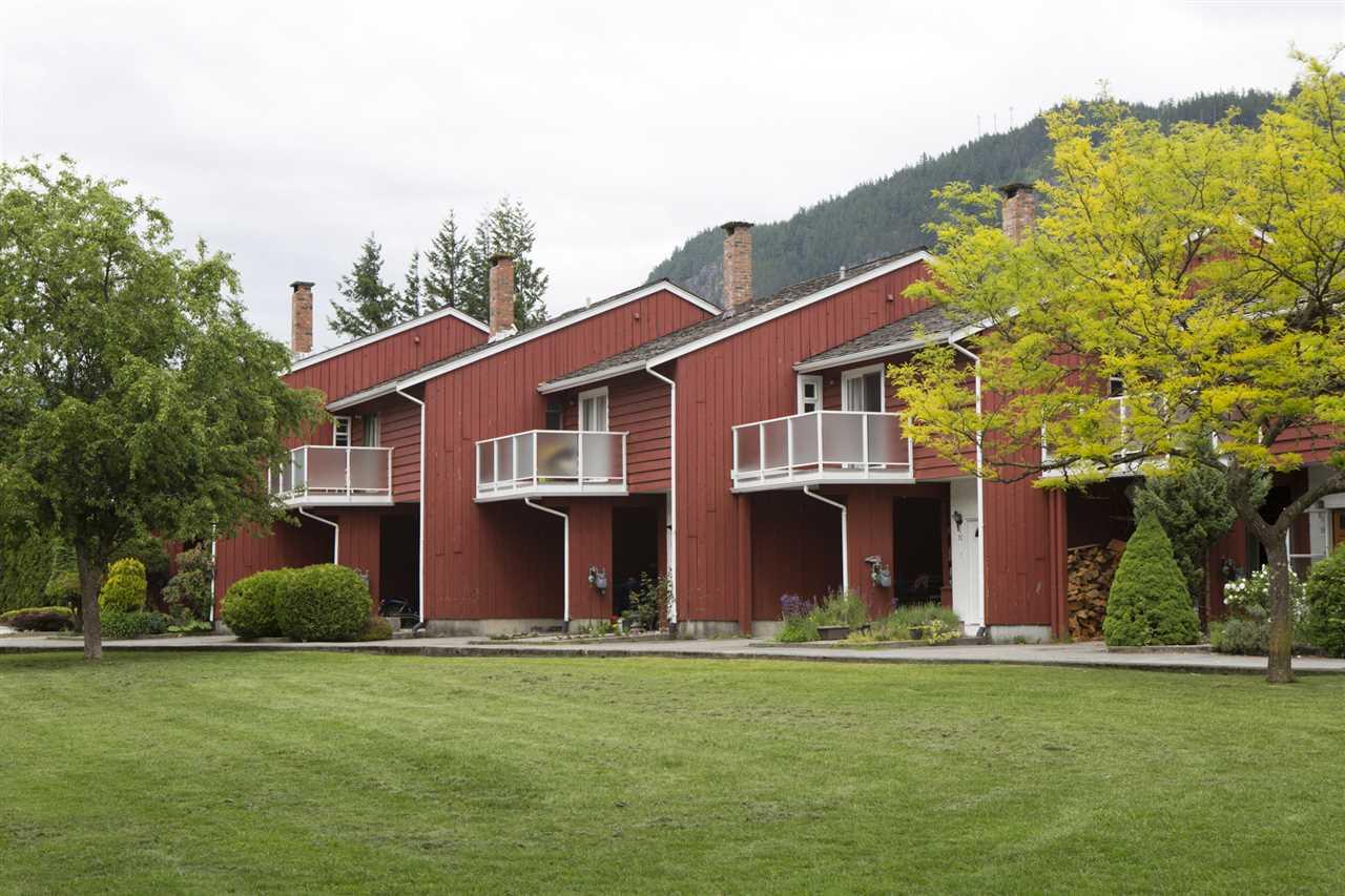 Townhouse at 15 1500 JUDD ROAD, Unit 15, Squamish, British Columbia. Image 1